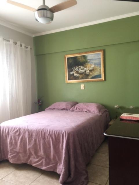 Apartamento na Vila Rezende, com 98m², 3 dormitórios, sendo 2 com armários, 1 suíte, sala, banheiro social com gabinete e blindex, cozinha planejada, área de serviço. 1 vaga de garagem. Aceita financiamento e FGTS.