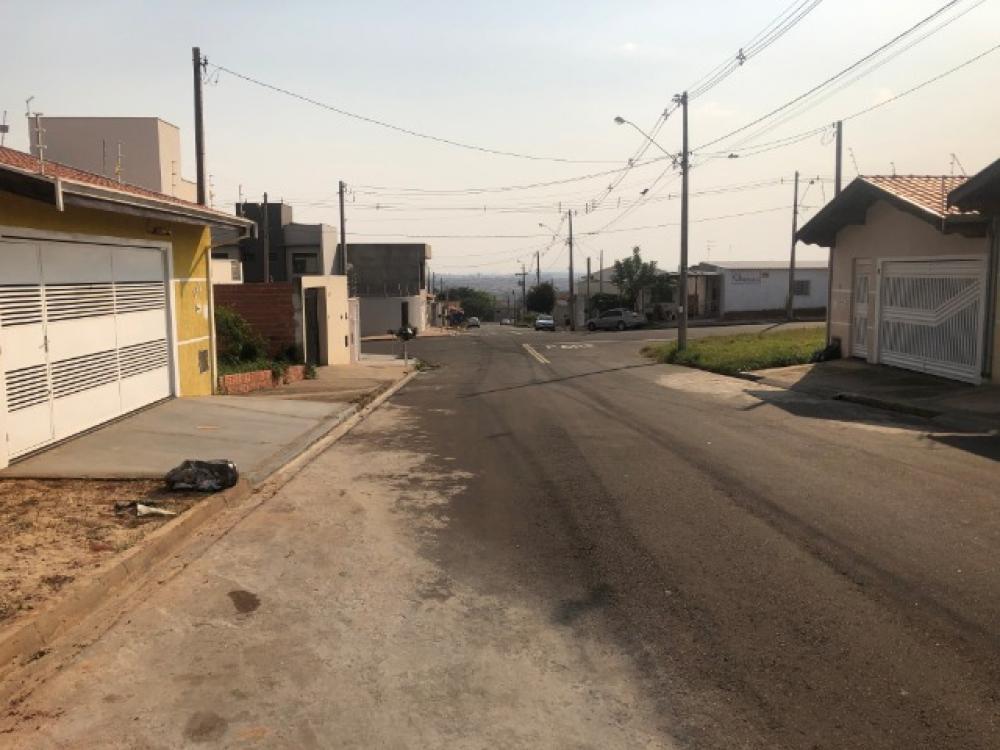 Excelente lote no Altos do Taquaral, medindo 175,00 m² (7 X 25), topografia plana. Não aceita financiamento e FGTS.