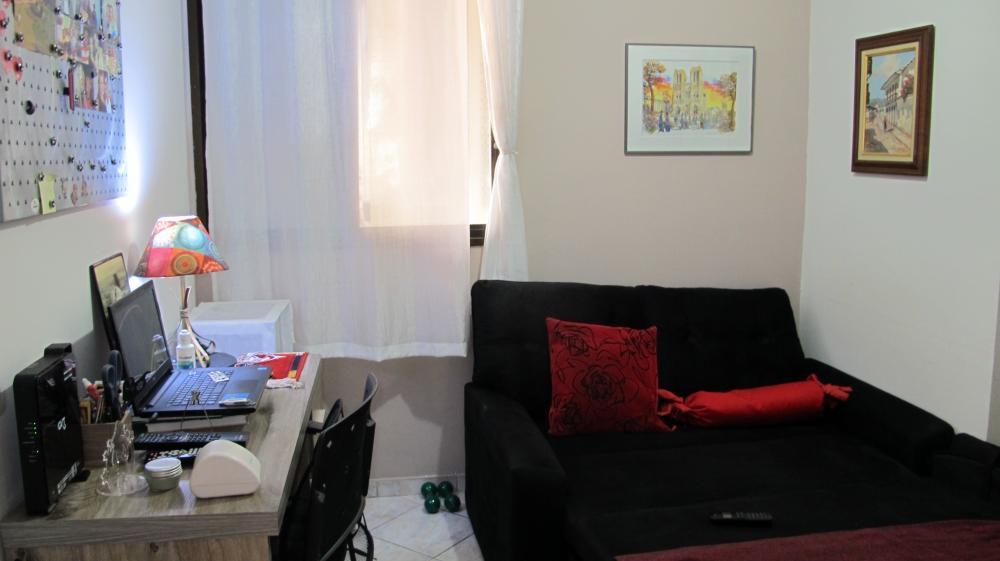 Apartamento em localização privilegiada, próximo ao Fórum e Av. Independência. Sala 2 ambientes, 3 dormitórios sendo 2 com armários planejados e 1 suíte , cozinha planejada com cooktop, gás encanado e  lavanderia. 1 vaga de garagem. Condomínio oferece portaria 24h e salão de festas.