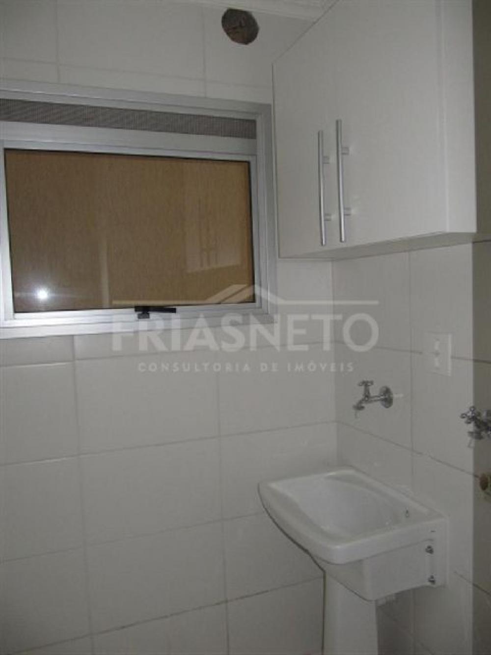 Apartamento em excelente localização, 48 m², 1 dormitório com armário, sala, cozinha planejada, banheiro com box, 1 vaga.