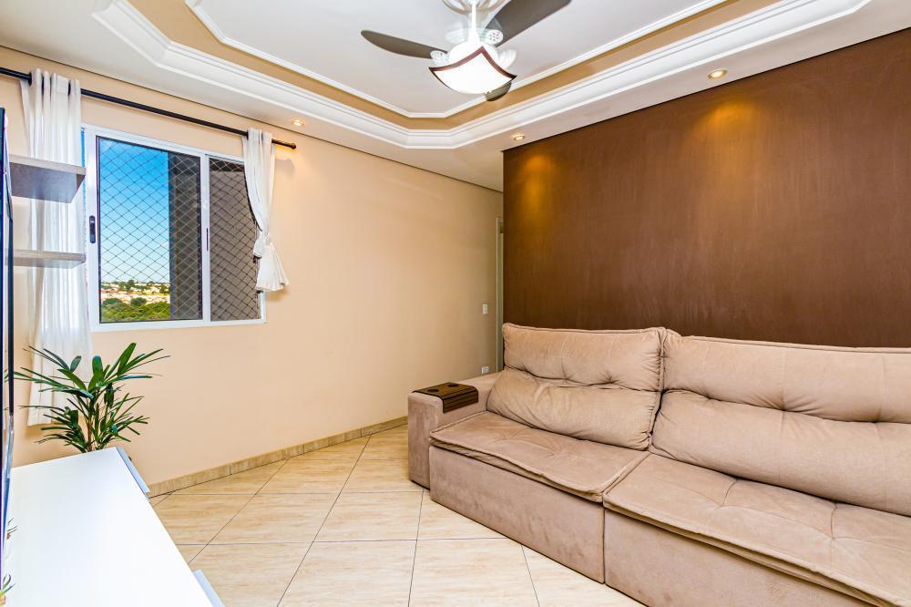 Belo apartamento com 2 dormitórios sem suíte com garagem coberta, portaria 24 horas armários nos dormitórios e cozinha, portaria, piscina no condomínio, área para recreação infantil e salão de festas. Aceita financiamento.