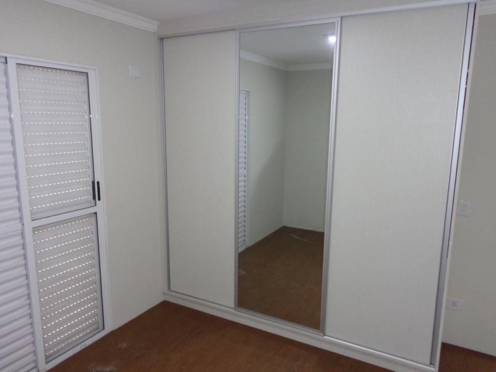 Apartamento  Edifício New Garden com 72m².. Ótimo acabamento com sala 2 ambientes com sacada gourmet 3 dormitórios, sendo 1 suíte com sacada, cozinha tipo , banheiro social com gabinete , Lavanderia. Estuda Financiamento e FGTS.