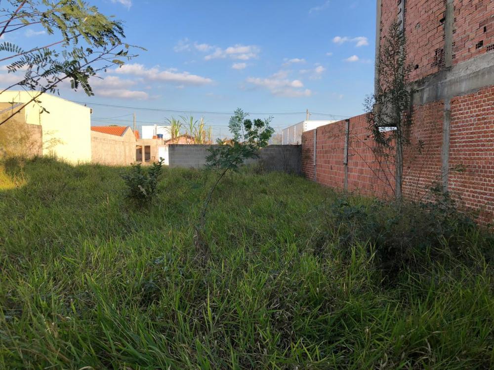 Terreno Plano com 175 m² ( 7 x 25), próximo a Hospital Ilumina. Aceita financiamento terreno e construção.