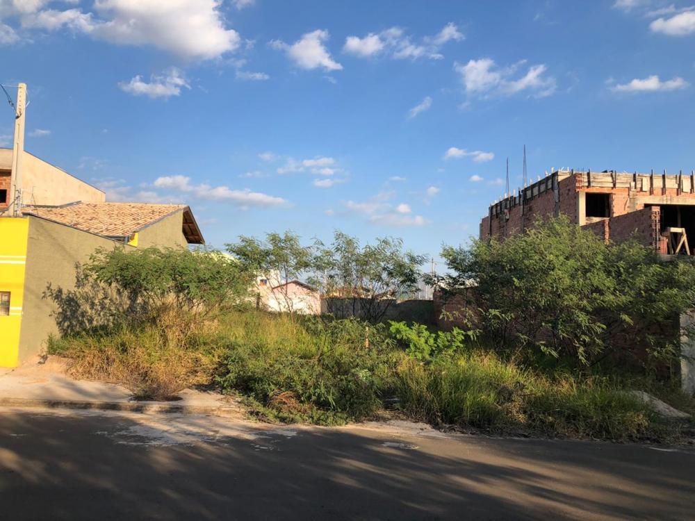 Terreno plano com 175m², sendo (7x25), próximo ao Hospital Ilumina. Aceita financiamento terreno e construção!