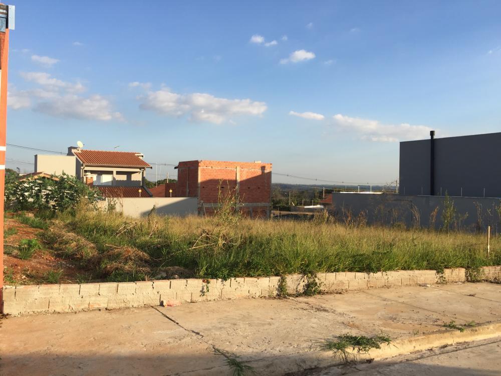 Terreno plano próximo ao Hospital Ilumina com 175 m² sendo (7 x 25). Aceita financiamento e terreno e construção.