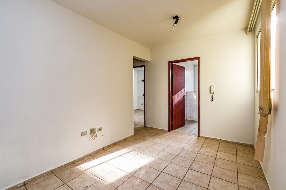 Excelente apartamento, próximo ao terminal central, possuí 2 dormitórios, sala, cozinha, banheiro, lavanderia e cozinha e 1 vaga de garagem. Aceita financiamento e FGTS.