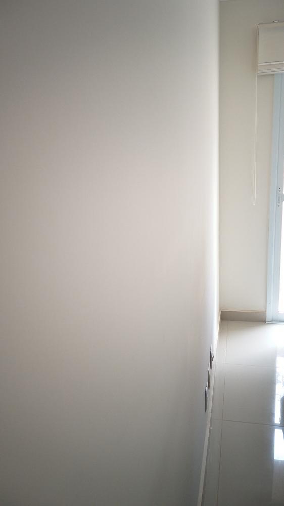 Lindo apartamento medindo 64m² distribuídos em ampla sala para 2 ambientes, cozinha completa de armários planejados e cooktop , lavanderia, varanda, banheiro social e privativo com blindex. Área intima distribuída em 3 dormitórios ambos, sendo a suite com armário planejado, ar condicionado e gabinete. Condomínio com portaria 24 horas, cinema para 10 pessoas, home office, fraldário brinquedoteca, salão de festas, espaço beleza, mini campo de futebol, praça e espaço gourmet. 1 vaga de garagem coberta.