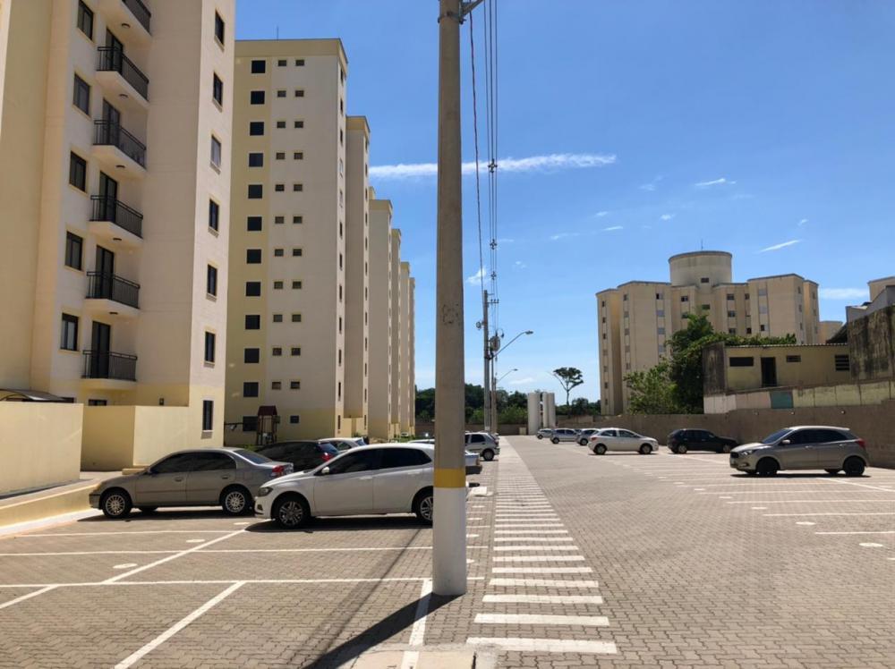 Apartamento novo com 58 m² e 2 vagas de garagem, são 2 dormitórios sendo 1 suíte, 1 banheiro social, sala com sacada, cozinha americana e área de serviço anexa. Aceita financiamento.