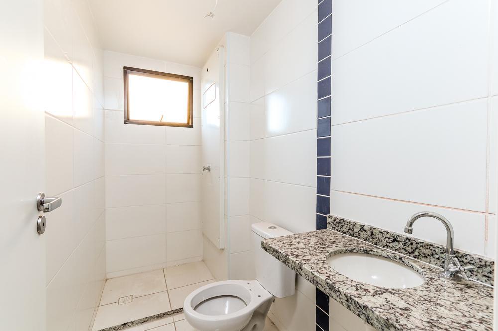 Apartamento novo contendo 58 m² e 2 vagas de garagens, são 2 dormitórios sendo 1 suíte, 1 banheiro social, sala com sacada, cozinha americana e área de serviço.  Estuda aceita financiamento e FGTS.