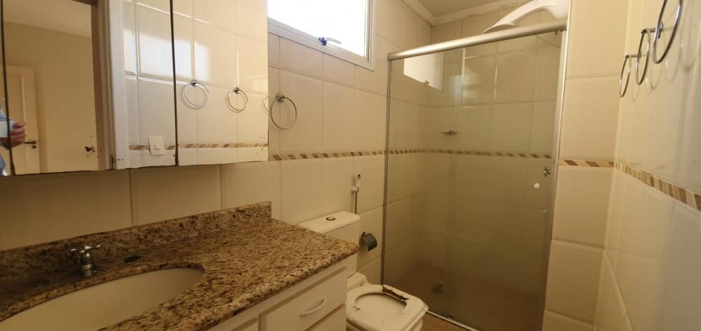 Ótimo apto. localizado no Nova América, contendo 03 dormitórios sendo 01 suíte, todos com armários embutidos. Sala dois ambientes, cozinha e lavanderia completa de armários. Banheiro social e na lavanderia.