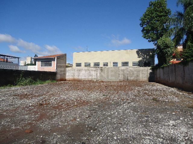 Terreno de 800m², próximo ao CLQ plano, murado com concertina.
