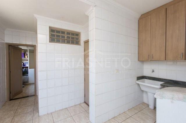 Excelente Casa - R. Luther King, 436m² de terreno (12,00 x 33,00) e 332,5 de construção com excelente acabamento sendo lavabo, ampla sala 2 ambientes, sala de TV, ampla cozinha com despensa,  lavanderia coberta e 1 suíte de empregada. Piso superior com um hall distribuidor e 3 suítes amplas, armário embutido e banheiros completos mais 1 escritório. Área externa com uma piscina aquecida e com hidro, churrasqueira, sauna, e banheiro. 4 vagas de garagem.