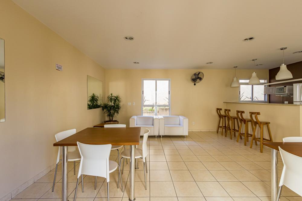 Apartamento em ótima localização próximo a faculdade Anhanguera com 53m² contendo sala com sacada, cozinha planejada, 02 dormitórios com armário, banheiro social. 01 vaga de garagem.