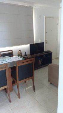 Excelente apartamento com 46m², sendo sala 02 ambientes, cozinha com armários, 02 dormitórios com armários embutidos, banheiro social com gabinete e box, 01 vaga de garagem.  Aceita financiamento e FGTS.