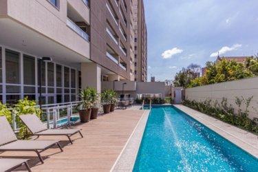 Lindo apartamento no mais novo Lançamento da Cidade. Ótima localização próximo a Santa Casa. Apartamento com armários e gabinete e 1 Vaga de garagem.