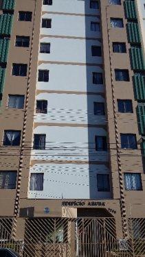 Apartamento com 35m² próximo a Av. Independência, com sala, banheiro com box e gabinete, 1 dormitório, cozinha com gabinete, lavanderia, totalmente reformado e 1 vaga. Aceita Financiamento e FGTS.