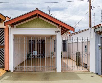 Ótima residência no bairro Santa Terezinha com 2 dormitórios, sala, banheiro social, cozinha, lavanderia coberta, quintal e 1 vaga de garagem. Aceita financiamento e FGTS.