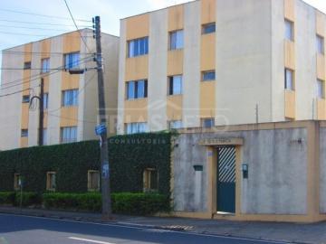 Apartamento com 95m² de área útil distribuída em sala para 2 ambientes, cozinha com gabinete, 3 dormitórios (1 suíte) 2 com armários, banheiros com box, lavanderia, 1 vaga coberta