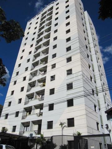 Belo apartamento andar alto com 3 dormitórios, sendo 1 suíte, armários nos dormitórios, cozinha planejada, banheiros com box blindex, iluminação de led; ótima localização no centro da cidade. Aceita financiamento.