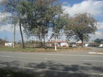 EXCELENTE TERRENO PLANO DE FRENTE PRA RODOVIA SP 304 (Piracicaba - São Pedro); Mede 49,80m de frente para a avenida Fioravante Cenedese e 83,30m de frente para a Rodovia SP - 304. Localizado ao lado do Posto de gasolina na entrada de Artemis.