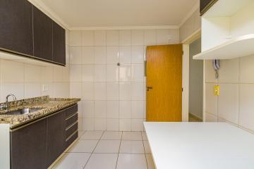 Excelente apartamento com 2 dormitórios todos com armários, cozinha planejada, sala com painel, banheiro com gabinete e box, 1 vaga de garagem, apartamento todo reformado, em excelente localização.