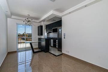 Apartamento com 54 m diferenciado contendo sala com mesa de vidro e sacada, cozinha totalmente planejada com cooktop e coifa, banheiro social com gabinete, 2 dormitórios sendo um repleto de armarios. 1 vaga de garagem.