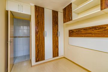 Apartamento localizado próximo ao Shopping Piracicaba, com  2 dormitórios, sendo 1 com armário planejado, sala,cozinha, lavanderia, banheiro social e 1 vaga.