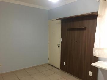 Excelente apartamento com 2 dormitórios com armários embutidos, cozinha planejada, lavanderia com armário, sala, banheiro com cuba e blindex e 01 vaga de garagem. Estuda financiamento e FGTS.