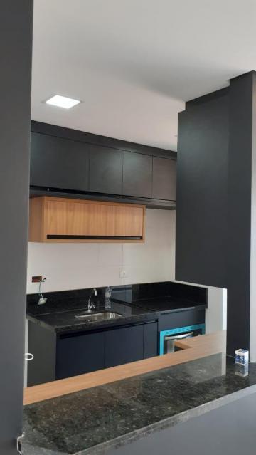 Apartamento com 52,95 m² contendo sala com sacada,cozinha,2 dormitórios, banheiro social e 1 vaga de garagem. Condomínio oferece quadra, salão de festas e playground. Aceita financiamento.