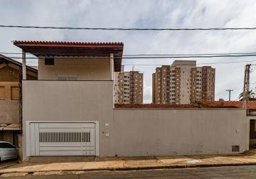 Ótima casa com 03 dormitórios, sendo 01 suíte, sala, cozinha, banheiro e lavanderia. Garagem para 03 carros e portão eletrônico.