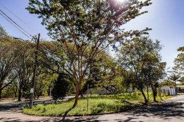 Esquina maravilhosa, oportunidade imperdível  medindo 620 m²,  em uma das avenidas mais charmosas e arborizadas da cidade  na melhor localização da avenida cruzeiro do sul. Aceita financiamento.
