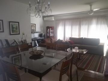 Apartamento no Ed Paschoal Ribeiro, 126m²,  3 dormitórios sendo 1 suíte, sala 2 ambientes, cozinha planejada, área de serviço com dormitório, 1 vaga de garagem. Aceita financiamento