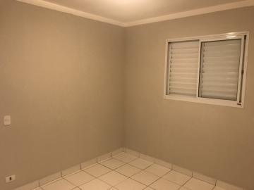 Apartamento novo, contendo 63m² de área útil, sala para 2 ambientes com sacada, cozinha estilo americana, 2 dormitórios sendo 1 suíte, 1 vaga de garagem.Todos os ambientes com ótimos móveis planejados. Área de lazer com salão de festas e salão de jogos.Estuda Financiamento e FGTS.