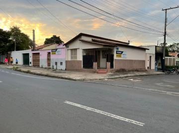 Imovel Comercial de Esquina - Duas (2) casas - Prédios Comerciais  para demolição e construção de galpão - terreno de 285 m2      15  metros  de frente para Rua principal,  Virgílio da Silva Fagundes,  por 19 m de frente para Rua, lateral  José Zílio.