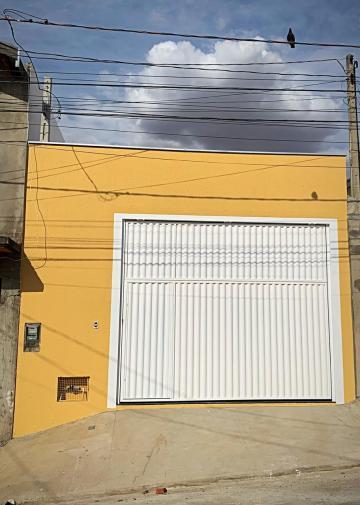 Galpão novo contendo 2 banheiros completos, copa, área de lavagem e portão automático.