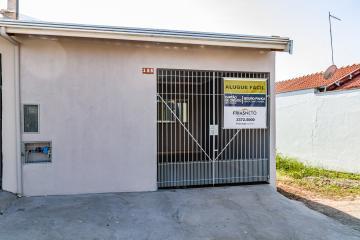 Casa Nova, localizada no Bairro Nazareth II,  1ª locação com Sala, Cozinha com gabinete, janelas em blindex, banheiro com gabinete e box em blindex, 02 dormitórios.01 vaga de garagem.