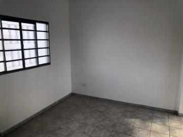 Casa em ótima localização próximo a escola , com 02 dormitórios , sala . cozinha , 01 banheiro , lavandeira . Andar superior