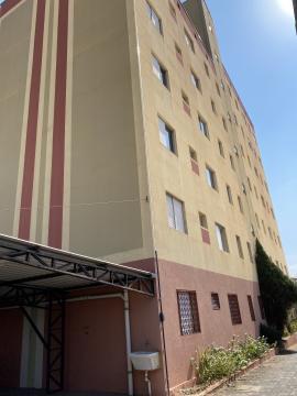 Apartamento com 1 dormitório com armários, mesa para estudos, roupeiro, sala dois  ambientes, banheiro social com box, cozinha completa de armários, área de serviço com armários.