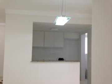 Lindo apartamento, excelente localização com sala 02 ambientes com sacada gourmet, 03 dormitórios com armário embutido, 01 suíte com gabinete e box, banheiro social com gabinete e box, cozinha tipo americana planejada, área de serviço. 02 vagas cobertas. Condomínio portaria 24h, espaço fitness, brinquedoteca, playground, salão de jogos, espaço mulher, salão de festas e piscina.