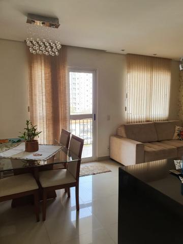 Excelente apartamento Residencial Verano, contendo 2 vagas de garagem, varanda, sala 2 ambientes, cozinha planejada, lavanderia, banheiro social e 3 dormitórios sendo 1 suíte.  Estuda Financiamento e  FGTS.