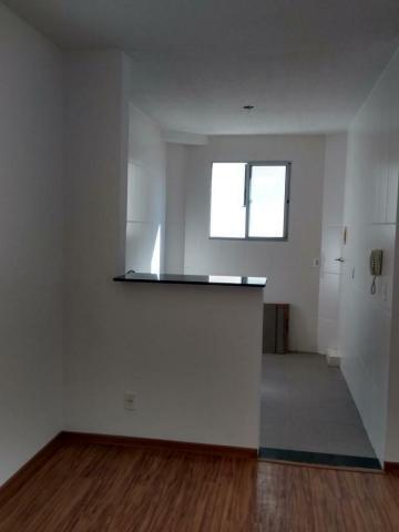 Apartamento com bom acabamento e completa infra-estrutura, 2 dormitórios, sala, cozinha, lavanderia, banheiro e 1 vaga de garagem.  Estuda financiamento e FGTS.