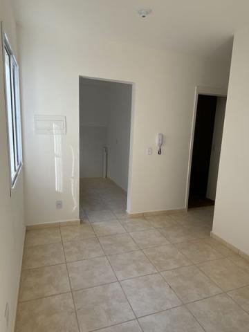 Apartamento em bairro tranquilo com 45m² contendo sala, cozinha, 02 dormitórios, banheiro social. 01 vaga de garagem. Área de lazer com piscina, playground, espaço gourmet, quadra poliesportiva e academia.