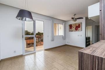 Lindo apartamento com 63m² bem planejado. 3 dormitórios com armários, banheiro social com gabinete e box, sala 2 ambientes com sacada gourmet, cozinha com armários, 2 vagas.