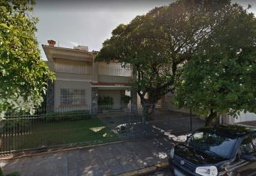 Maravilhosa casa comercial, a 100 m da praça José Bonifácio, centro da cidade, 3 vagas de garagem, recepção, 7 salas, 3 banheiros, copa - cozinha com armários, lavabo, quintal com área de serviço. Excelente ponto para escritório. Algumas salas com armários e varanda.