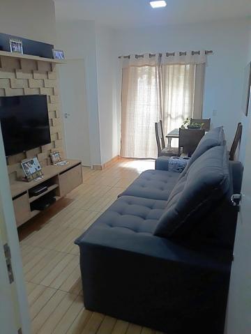 Excelente apartamento contendo sala, cozinha, 2 dormitórios, banheiro, varanda e 1 vaga de garagem coberta.  Estuda financiamento e FGTS.