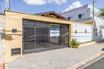 Excelente casa térrea no bairro Vila Independência, contendo 270 m²;  garagem para 2 veículos, sala, jardim de inverno,cozinha planejada e lavanderia.  Possui 4 dormitórios sendo 1 suíte, quintal com churrasqueira e banheiro. Estudo financiamento e FGTS.
