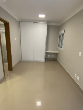 Ótimo apartamento em localização privilegiada na cidade, próximo a vários comércios com 35m² contendo sala e dormitório com ar condicionado, cozinha planejada. 01 vaga de garagem. Cobndomínio oferece salão de festas e piscina.
