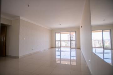 Excelente apartamento no bairro alto, com 151 m² sendo 3 suítes, ampla sala para 2 ambientes, sacada, lavabo, cozinha planejada, área de serviço com quarto e 3 Vagas na garagem.  Estuda Financiamento e FGTS.