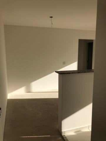 Apartamento novo com 58 m², 1 vaga de garagem , 2 dormitórios sendo 1 suíte, 1 banheiro social, sala com sacada, cozinha americana e área de serviço anexa. Aceita financiamento.