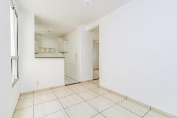 Apartamento com 45m2 contendo sala, cozinha, 02 dormitórios, banheiro social. 01 vaga de garagem. Condomínio oferece portaria 24hrs, pisc ina, salão de festas, playground.